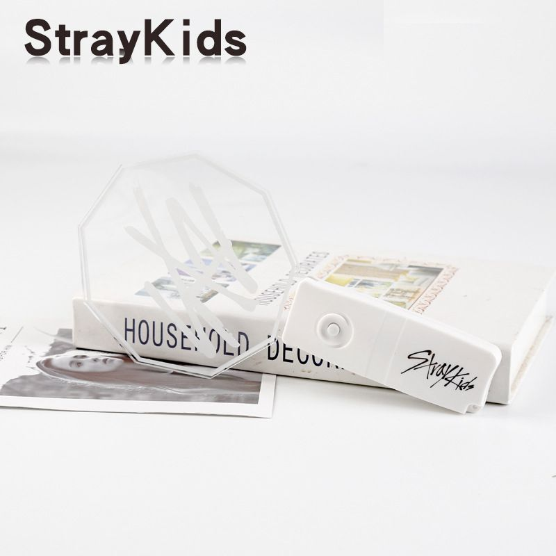 stray kids lightstick
